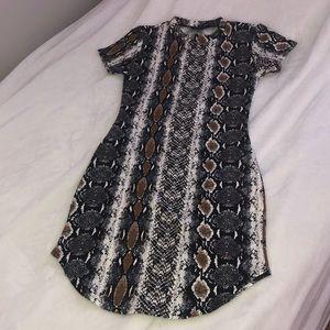 Dresses & Skirts - Snakeskin Bodycon Dress